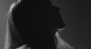 Flux Lyrics – Ellie Goulding   LyricSoUp