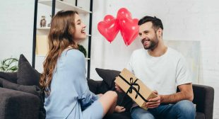 Top 10 romantic gifts for wife – Anniversary Gifts